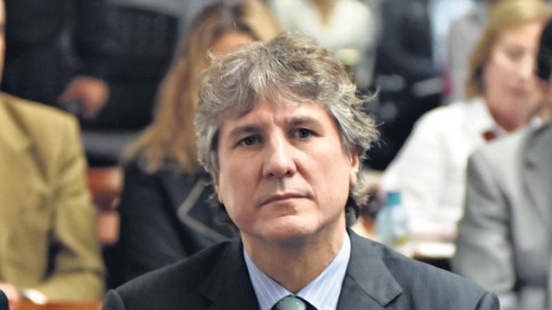 http://arbia.com.ar/imagenes/Amado_B.jpg