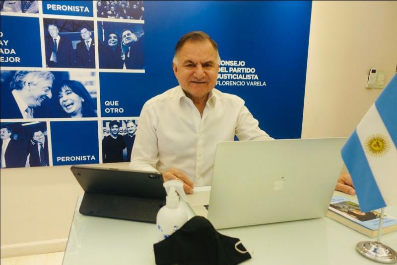 http://arbia.com.ar/imagenes/Julio_Pere.jpeg