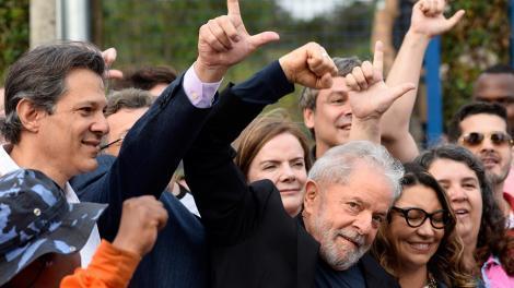 http://arbia.com.ar/imagenes/Lula_Libre2.jpg
