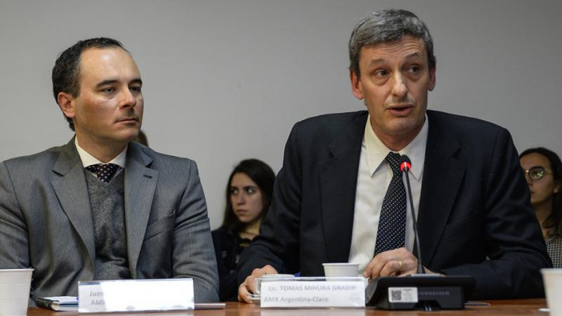 http://arbia.com.ar/imagenes/Telefonica_Claro.jpg