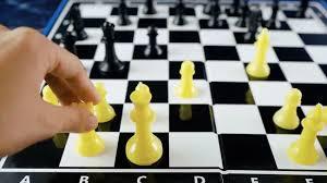 http://arbia.com.ar/imagenes/ajedrez.jpg