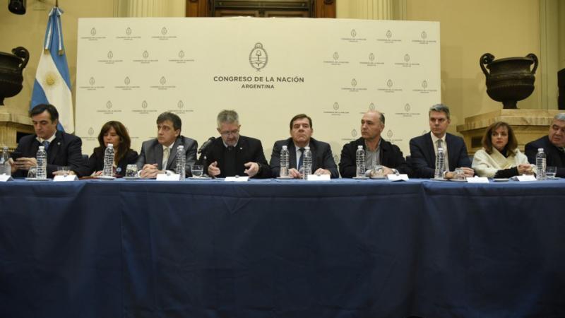 http://arbia.com.ar/imagenes/ara_congreso.jpg