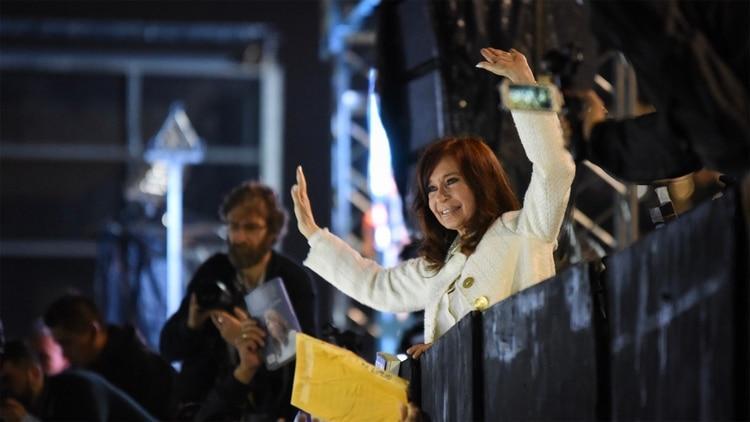 http://arbia.com.ar/imagenes/cristina-feria.jpg