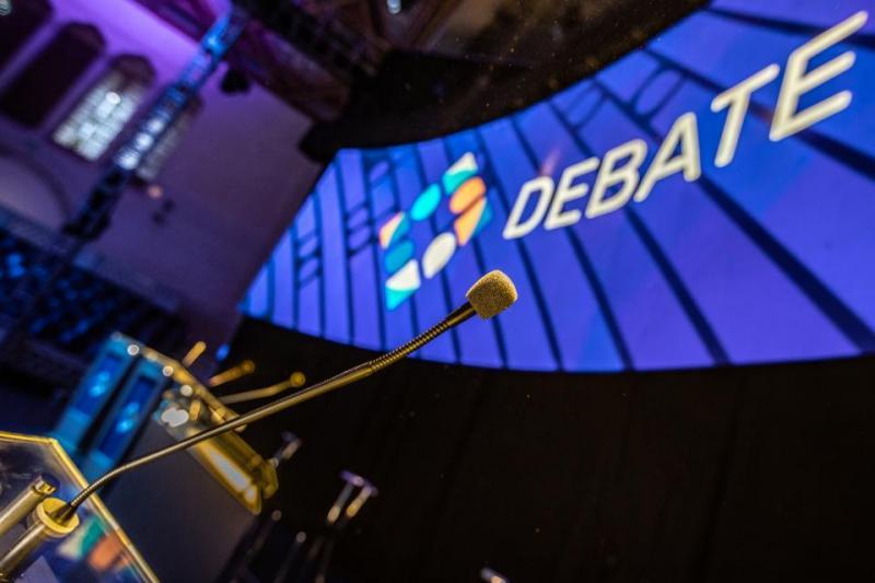 http://arbia.com.ar/imagenes/debate.jpg