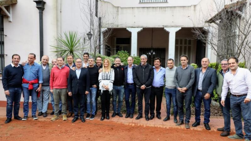 http://arbia.com.ar/imagenes/intendentes.jpg