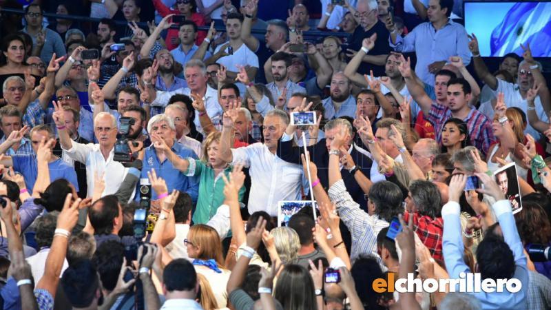 http://arbia.com.ar/imagenes/la_pedrera.jpg
