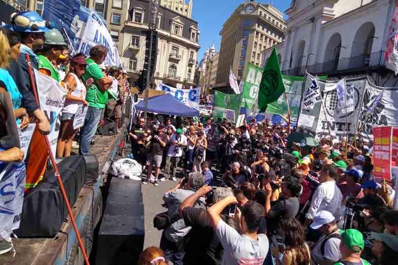 http://arbia.com.ar/imagenes/marcha_15_02.jpg