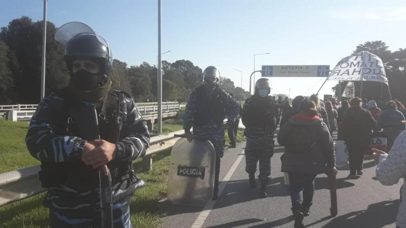 http://arbia.com.ar/imagenes/protesta_marde.jpeg